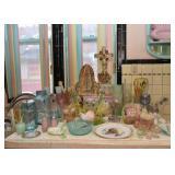 Lots of Pretty Pastel Kitchenware, Ceramics, Pottery, Glassware, Plastics, Etc.