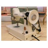 Vintage White Portable Singer Sewing Machine (Made in Great Britain)