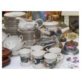 Art Pottery Tea / Coffee Pot & Mugs