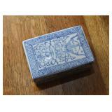 Chinese Porcelain / Pottery Trinket Box