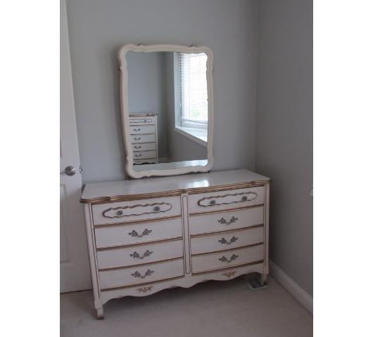 1530 downsizing high end furniture french provincial for Broyhill american era bedroom furniture