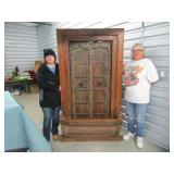 ONLINE AUCTION  ASIAN ANTIQUES,RUGS,HAND CARVED WOOD PIECES