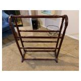 quilt stand $30