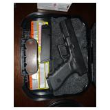 glock 17. 9mm w/2 magazines