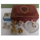 WVT088 Jewelry Boxes and Vintage Brooches