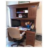Compter desk with office chair