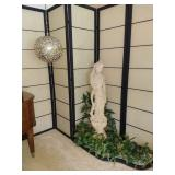 Asian style statue and folding screen