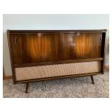 Bremerton Estate Online Auction - Mid Century Modern Furniture, Hummel's, Household Items, La-Z-Boy