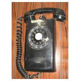 Old Dial Telephone, Operates