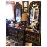Double mirror vintage style dresser