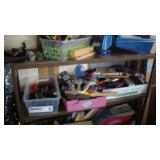 Miscellaneous painting equipment (brushes, sponges)