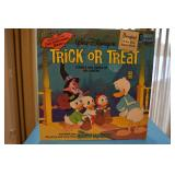 Vinyl record 33/13 - Trick or Treat with two Halloween Masks - Open