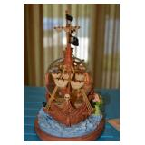 Figurine & Water Globe Music Box - Peter Pan - pirate ship  - Captain Hook and  kids in the snow glo