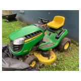 John Deer Riding Lawnmower D105