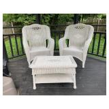 White Wicker Outdoor table and chairs