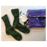 i. Knitted green socks+purple felt bag$18