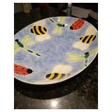 Has a lady bug bowl for center of tray