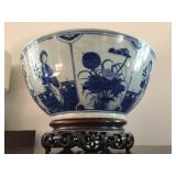 19th Century Canton Chinese Export Blue and White Bowl