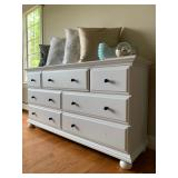7 Drawer Dresser in White