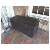 suncast box