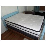 like new Hampton & Rhodes mattress & box