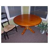 Stanley Pine table