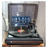 Vintage Realistic Turntable Model 49 With Assorted Records