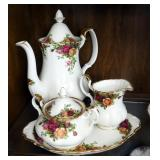 "Royal Albert ""Old Country Roses"" China Coffee And Tea 12-Place Setting Service Set Including Cups, S"