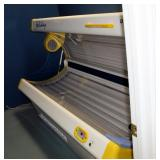 Sportarredo Holiday 45 Level 2 Tanning Bed With 32 Bulbs, Powers On, Bulbs Replaced In January 2020,