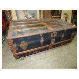 EARLY FLAT TOP STEAMER TRUNK