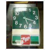 7UP LIGHT UP ADV. CLOCK