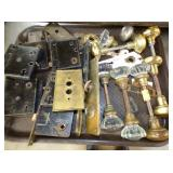 COLLECTION DOOR KNOBS AND HARDWARE