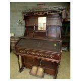 WALNUT ORGAN