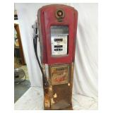 VIEW 2 OTHERSIDE BENNETT 646 GAS PUMP