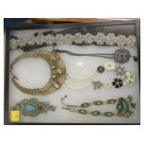 SEV. PIECES COSTUME JEWELRY