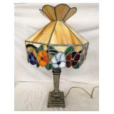 16IN STAINED GLASS SHADE PARLOR LAMP
