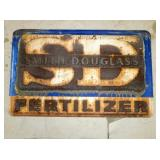 30X47 EMB. SMITH DOUGLAS FERTILIZER