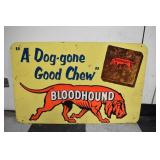 18X27 UNUSUAL BLOODHOUND SIGN W/ DOG