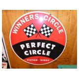 24IN PORC. WINNERS PERFECT CIRCLE SIGN
