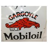 VIEW 2 CLOSEUP MOBILOIL PORC. SIGN