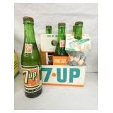 7UP CARDBOARD CARRIER W/ BOTTELS