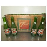 7UP CRATE W/BOTTLES
