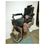 VIEW 3 SIDEVIEW OAK BARBER CHAIR