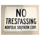 NO TRESPASSING NORFOLK RR SIGN
