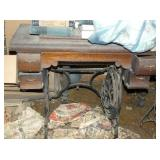 OAK PEDESTAL SEWING MACHINE