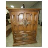 VIEW 3 WITH MATCHING OAK CHEST
