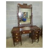 MAGH. VANIDY WITH MIRROR