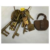SEVERAL BRASS KEYS & EARLY LOCK