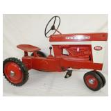 VIEW 2 OTHERSIDE 560 FARMALL PEDAL TRACTOR