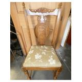 EARLY CARVED ENTRANCE CHAIR